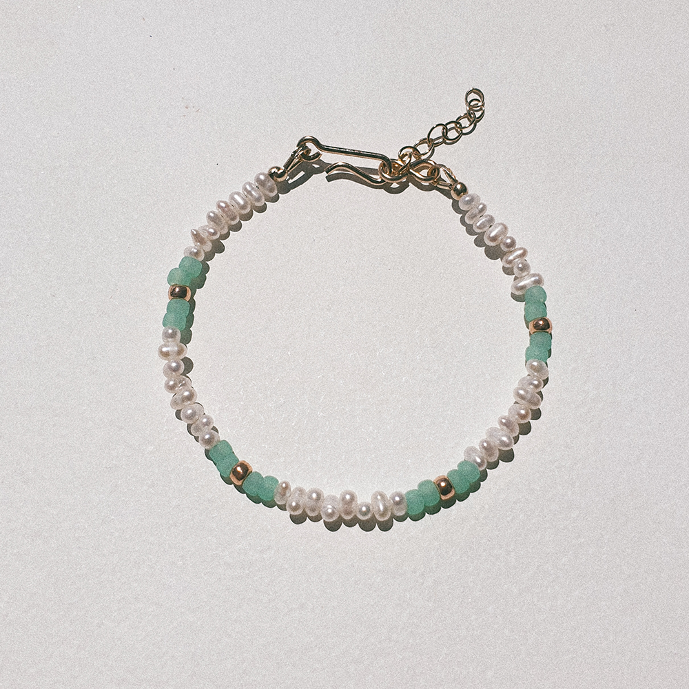 Hello Baby, Freshwater pearl with mint green beads and gold vermeil bracelet