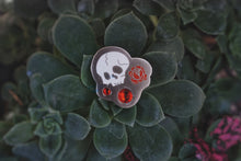 Load image into Gallery viewer, Memento Mori Jewel Pin