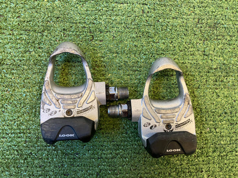 Retro Look Clipless Pedals in Silver