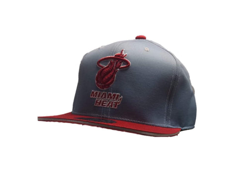 Miami Heat Mitchell & Ness Gray Red Fitted Structured Flat Bill Hat Cap (7 3/8)