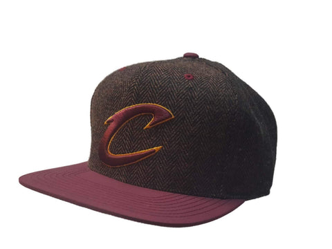 Cleveland Cavaliers Mitchell & Ness Brown Tweed Fitted Flat Bill Hat Cap (7 3/8)