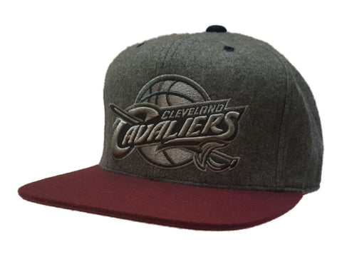 Shop Cleveland Cavaliers Mitchell & Ness Gray Structured Fitted Flat Bill Hat (7 3/8)