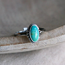 Load image into Gallery viewer, Oval Turquoise & Silver Ring