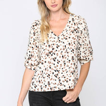 Load image into Gallery viewer, Printed Puff Sleeve Blouse