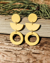 Load image into Gallery viewer, Geometric Mustard Earrings