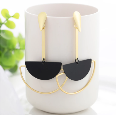 WYBU Summer Style Golden Drop Earrings For Women Geomatric Black Long Hanging Earring Triangle Bts Jewelry Earing bijouterie