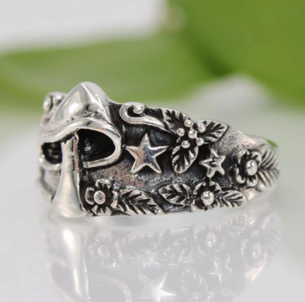 Vintage Star Flower Pattern Ring for Women Men Multi Size Femme Statement Retro Punk Hip Hop Biker Finger Party Night Club Ring