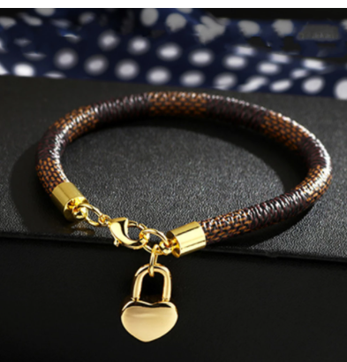 New Fashion Leather Bracelet Simple All-Match OL Women Bracelet For Women Femme New Hand Cuff Bag Love Pendant Bracelet Jewelry