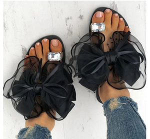 Luxury Celebrities Slippers Women Larger Rhinestone Ring Toe Cute Polka Dot Bow-tie Flats Flip Flops Indoor Shoes Ladies Sexy