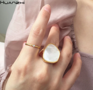 HUANZHI 2020 New Personality Vintage Trendy Marble Shell Simple Geometric Square Metal Ring For Women Girls Party Jewelry Gifts