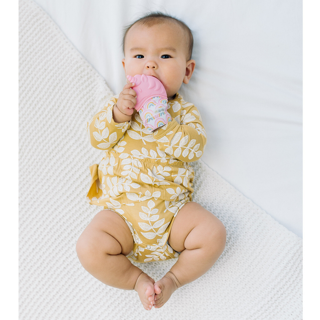 Itzy Ritzy Teething Mitts