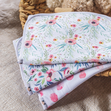 Load image into Gallery viewer, Dolly Lana Burp Cloth Set - Floral Kiss