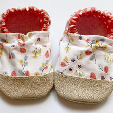 Load image into Gallery viewer, Floral Polka Dot Baby Moccasins