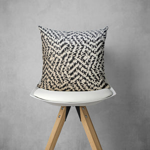 Weaving Maze Pillow Cover