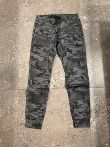 "VVV Luxury Designer Men's Cargo Pocket Jogger Jeans ""CAMO Straight"""