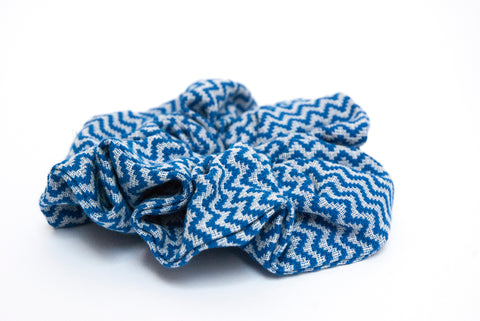 Scrunchie fantasisa zigzag blue royal. Le Pezze