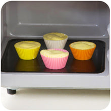 Load image into Gallery viewer, IVYSHION 12PCs Random 6 Colors 7cm Muffin Silicone