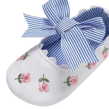 Load image into Gallery viewer, Baby Girls Bows First Shoes