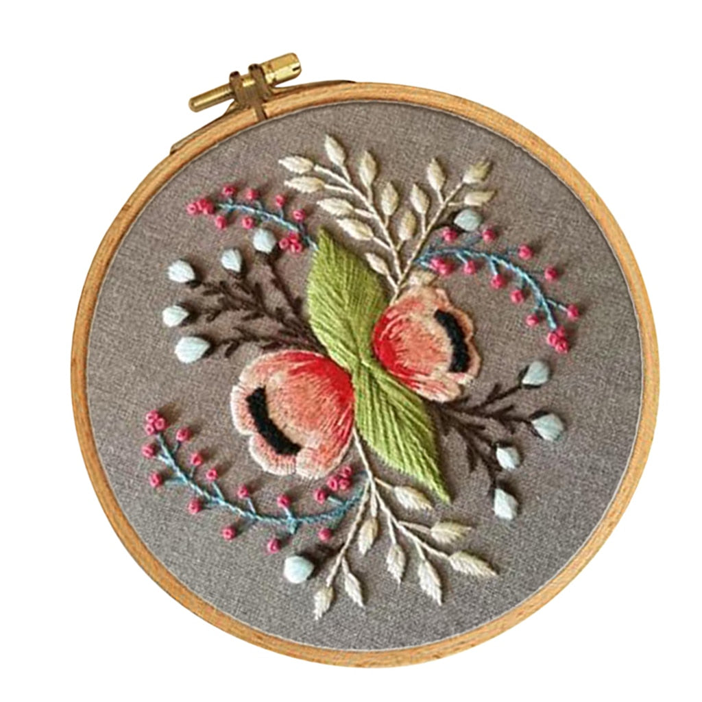 Embroidery Starter Kit with Pattern Embroidery Hoop Pre-printed Cloth Floral Pattern (15cm) DIY Needlework Kits