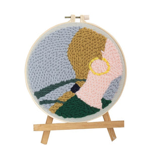 DIY Knitting Wool Rug Hooking Kit Handcraft Woolen Embroidery Gift with 20 x 20 cm Embroidery Frame Holder - The Girl  Long Hair