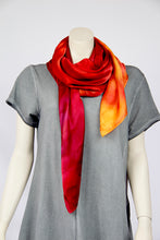 Load image into Gallery viewer, Hand-painted silk scarf Fluxa 120-006 - Ellen Bakker