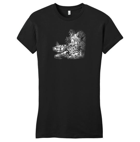 Bobcat Resting on Black - Women's Fitted T-Shirt