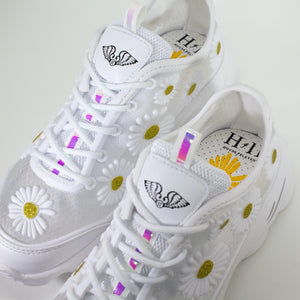 Open image in slideshow, Daisy Angel Wings Sneakers