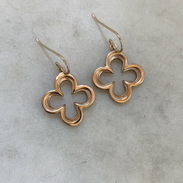 Quatrefoil Earrings - Bronze