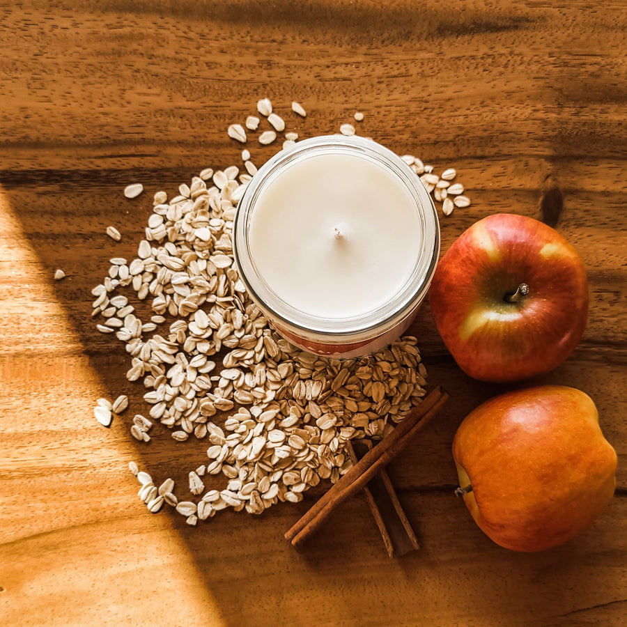 Apple + Oats Candle