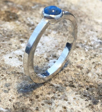 Load image into Gallery viewer, Sterling Silver Lapis Solitaire Ring