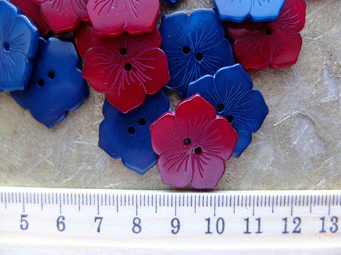 Geometric Flower Button- The Haberdashery