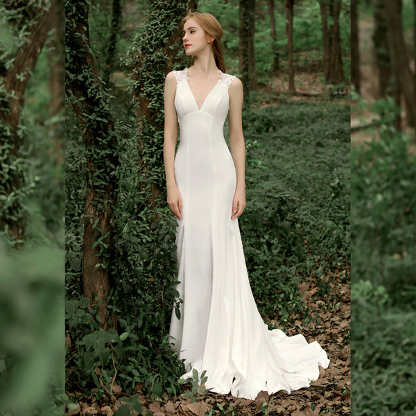 Mermaid Court Train V-Neck Stain Wedding Dress
