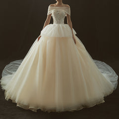 Princess Court Train Tulle Wedding Dress with Detachable Wrap