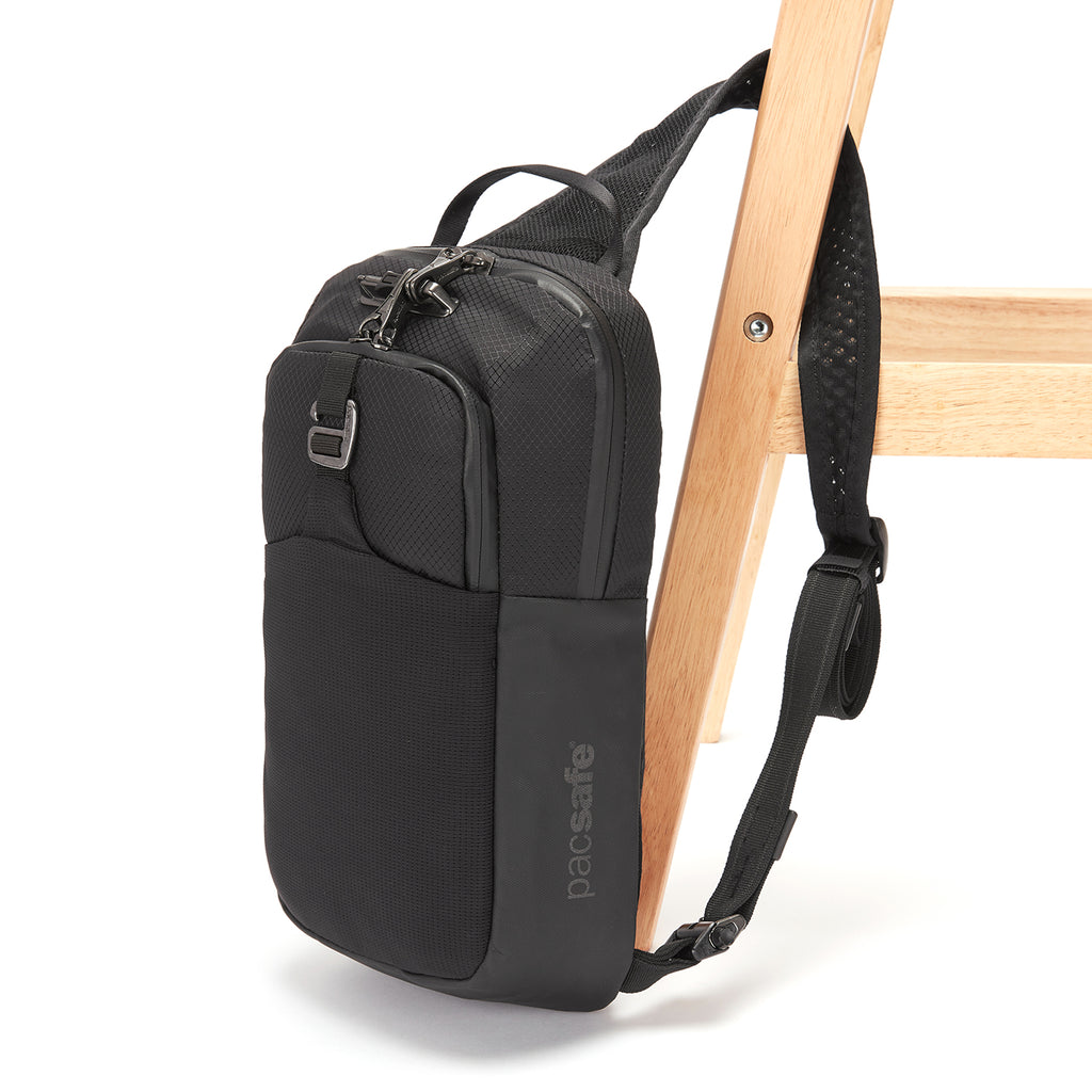 Venturesafe X Anti-Theft Sling Pack