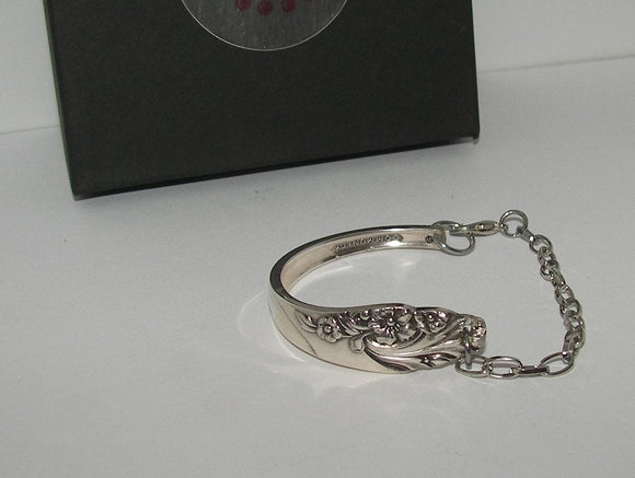 Vintage silverware spoon handle bracelet, custom silverware jewelry, personalized silverware jewelry