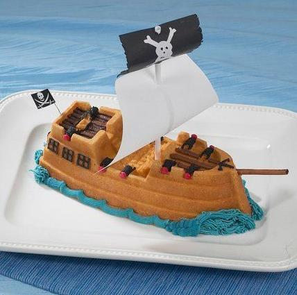 HIRE CAKE TIN PIRATE SHIP NORDIC- Phone To Hire