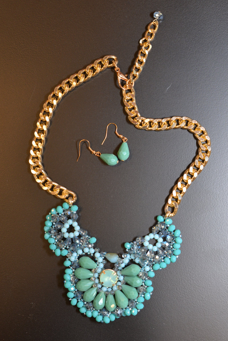 Trisha Blue Necklace - Hippie Vibe Tribe