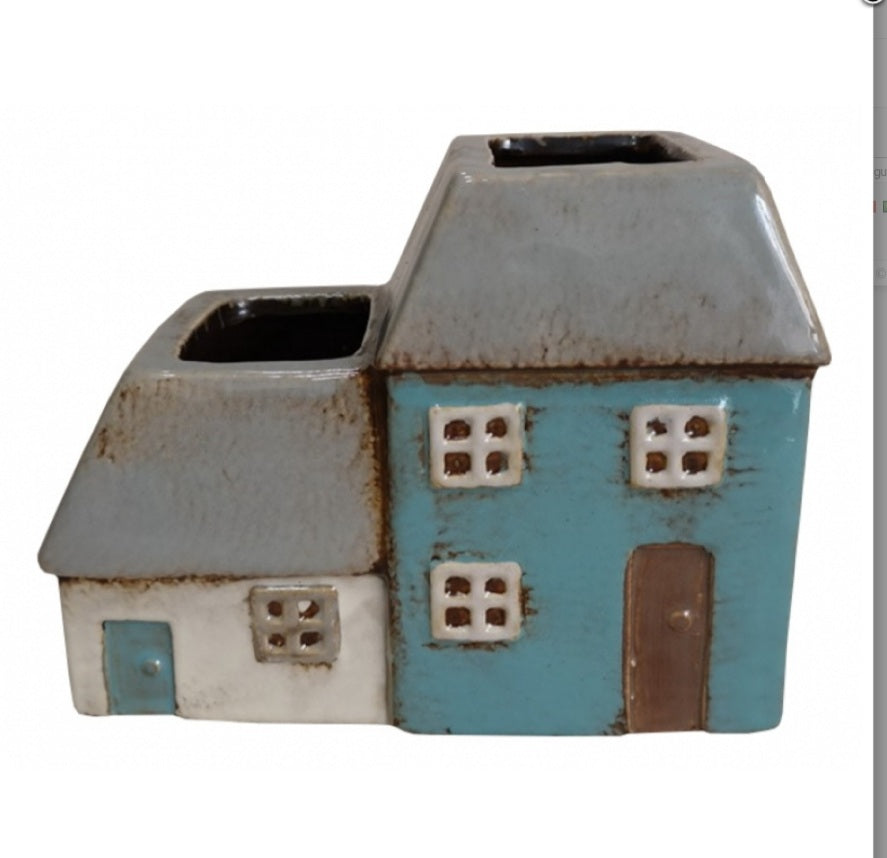 Ceramic house planter 5691