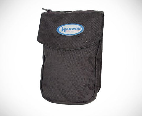 Bellow pocket, Velcro closure, internal divider, utility loops