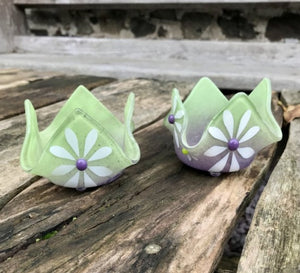 Daisy T-Lights lime and purple x 2