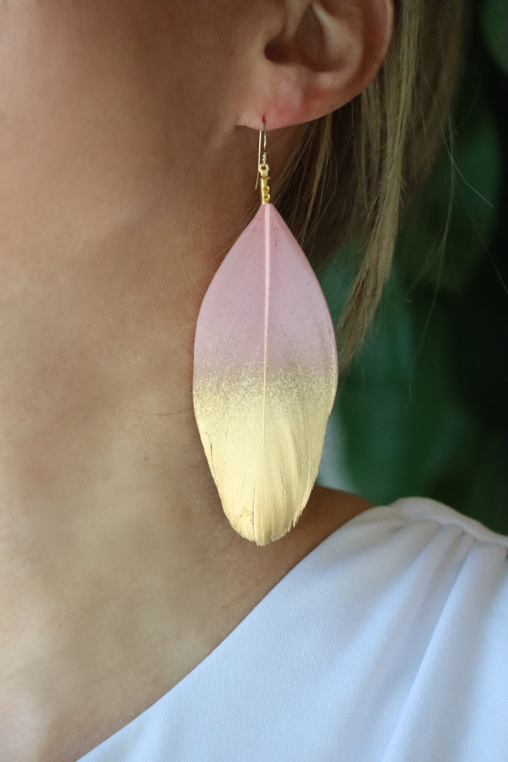 FLAVIA'S FEARLESS FEATHER EARRINGS - MAUVE & WHITE