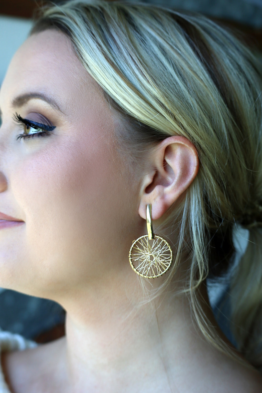 WILEY'S WEAVED RING HOOP EARRING - GOLD