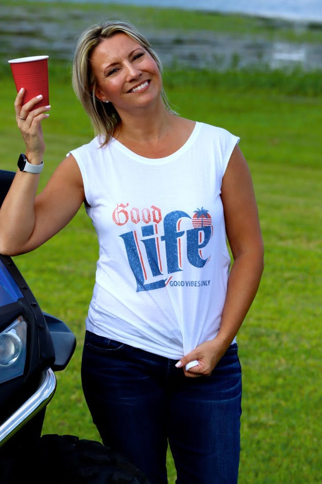 SARAH'S SLEEVELESS GOOD LIFE TANK - WHITE