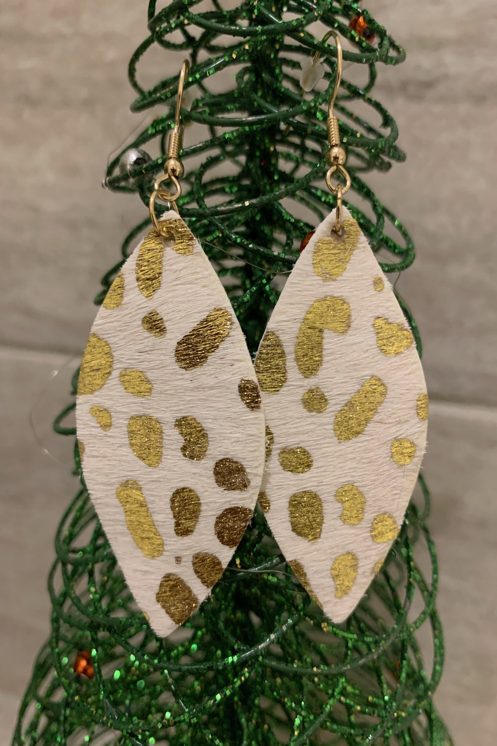 "HEIDI'S ""HIT THE SPOT"" EARRINGS - WHITE & GOLD"