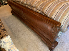 Load image into Gallery viewer, THOMASVILLE BURL WOOD PROVINCIAL KING LOUIS XV STYLE KING SIZE BED