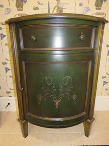 DARK GREEN FRENCH COUNTRY STYLE HAND PAINTED SOUTH CONE ACCENT/END TABLE