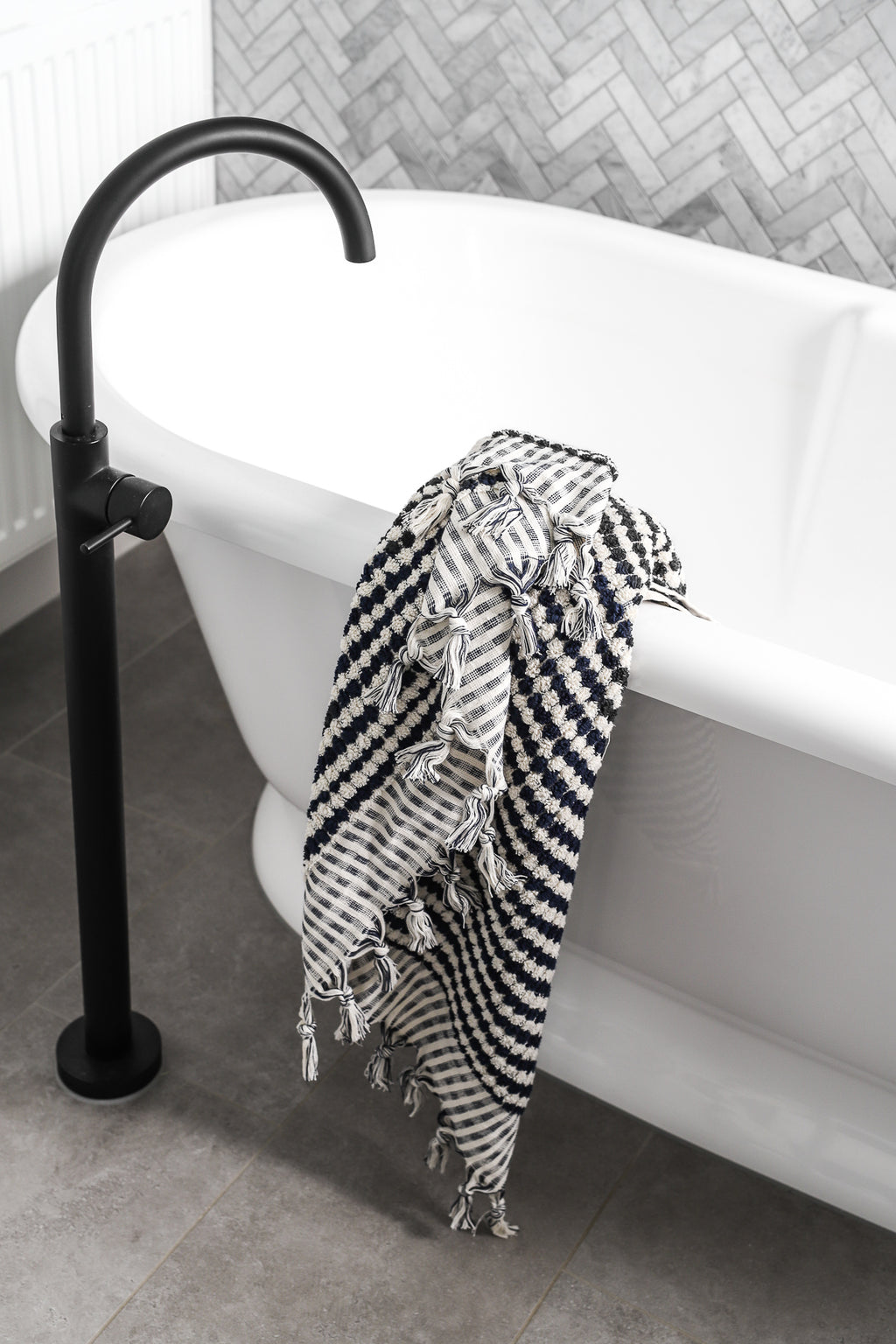 Pom Pom Bath Towel - Black and White