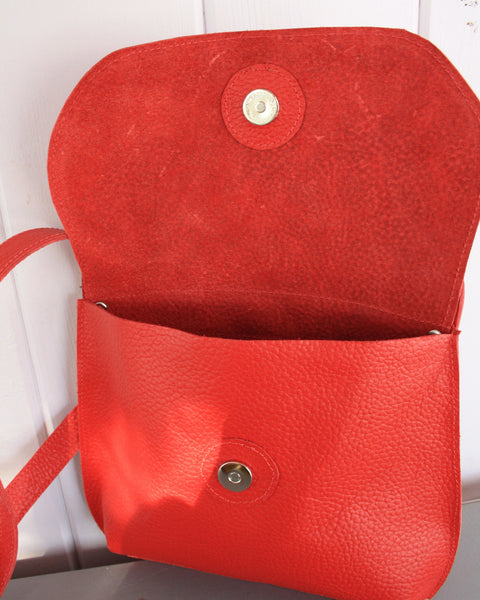unlined leather bag, magnetic snap