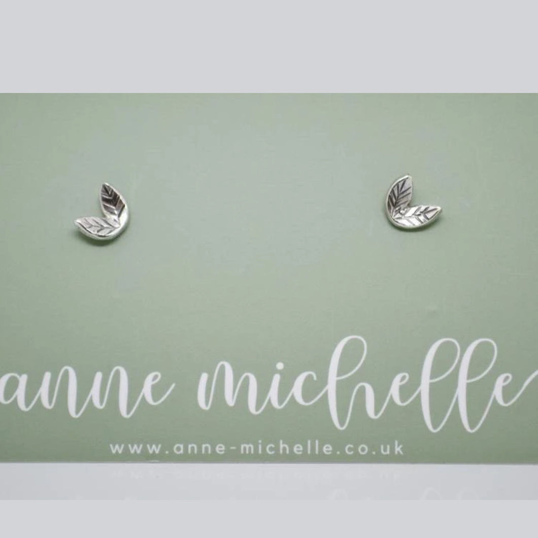 Anne Michelle Sterling Silver Leaf Stud Earrings