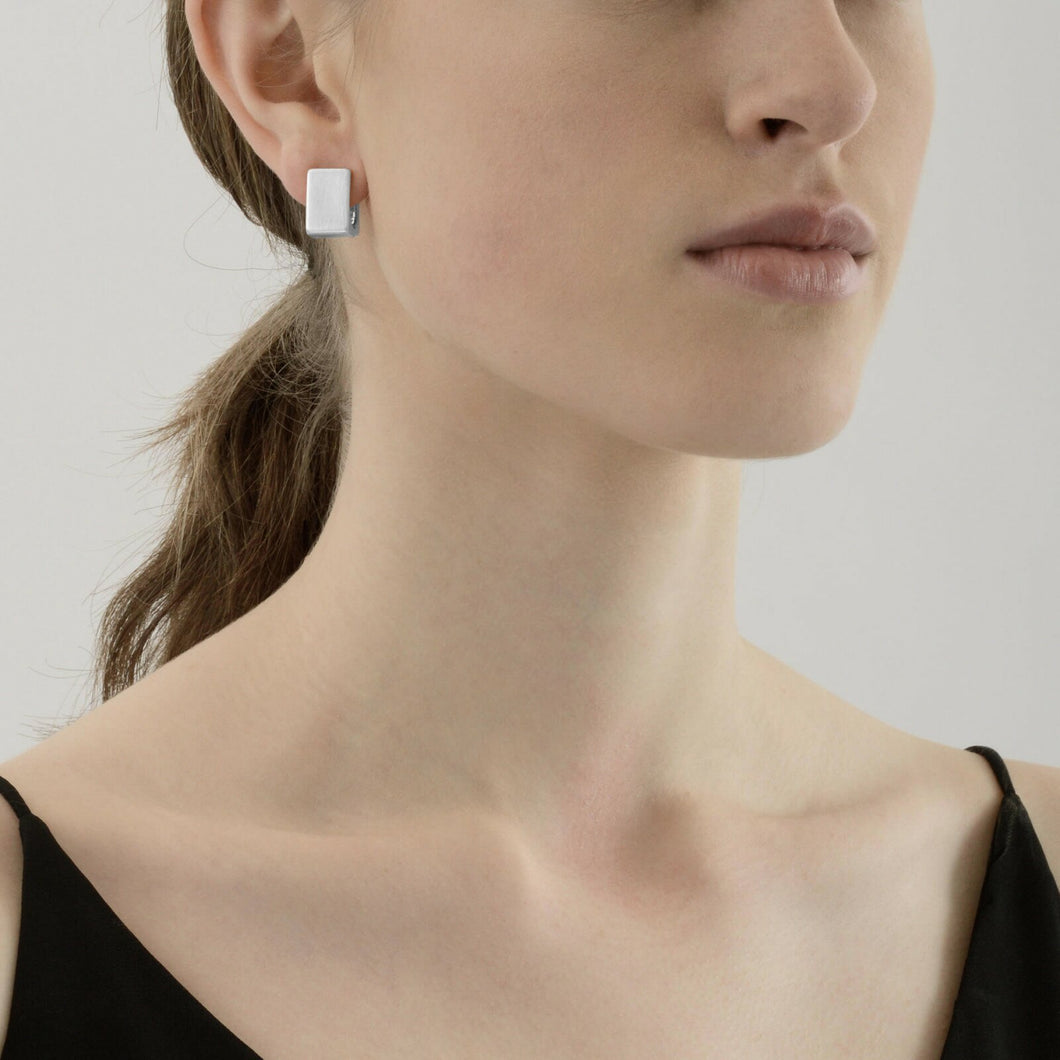 ALAYA SEICHE EARRING RHODIUM PLATED